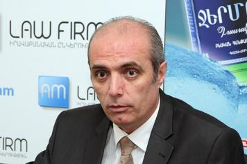 """""""Yes"""" v """"No"""": Oppositionists agree changing Constitution not """"most pressing issue"""" in Armenia"""