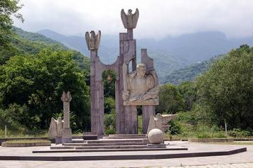 Hero's Statue: Location chosen for Garegin Njdeh's monument in Yerevan sparks controversy