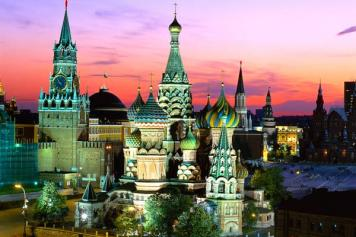 """From Moscow With Love: Armenian reporter finds neo-Soviet Russia on """"pro-Eurasian"""" tour"""