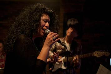 Rena De: Syrian Armenian singer runs a pub in Yerevan