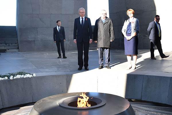 British minister visits Tsitsernakaberd Memorial