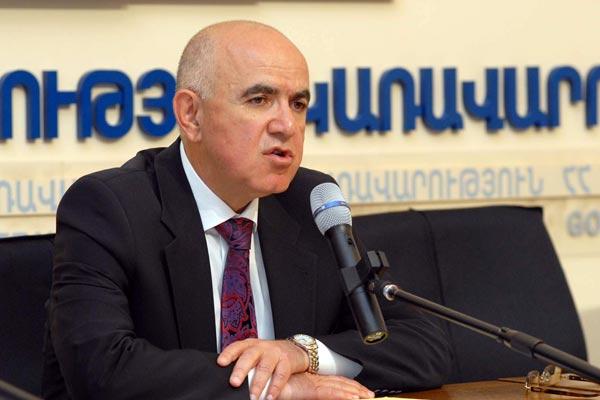 http://armenianow.com/sites/default/files/img/imagecache/600x400/Gagik-Yeganyan-Armenia-Migration-Service.jpg