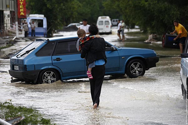 Two Armenians among victims of deadly flood in Russia
