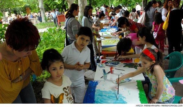 Park painting: Armenian children mark Environment Day