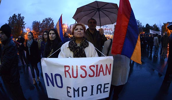 Life after Vilnius: Armenia hosting Russian leader after ditching EU accord