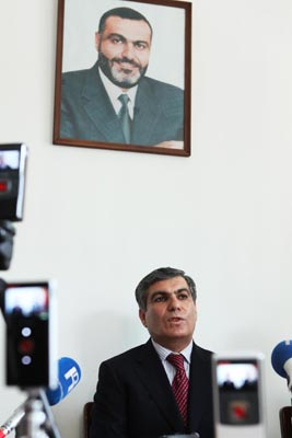 No Thanks: Party leader Sargsyan joins Ter-Petrosyan in giving up mandate