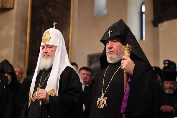 Patriarch of the Russian Orthodox Church Welcomed in Headquarters of the Armenian Church
