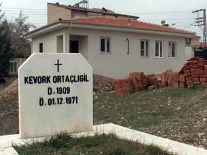Authorities in Turkish province restoring Armenian cemetery