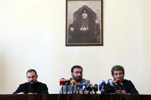 """Armenian cleric slams Georgian Church's """"intolerant attitude"""""""