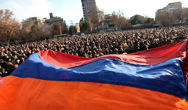 Decision 2013: Western investment v Russian commandos as likely post-election dilemma for Armenia