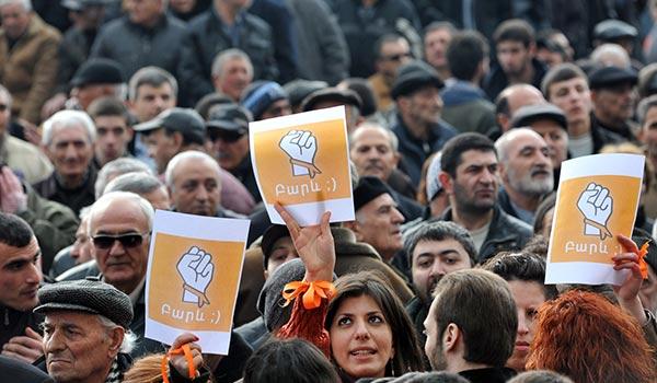 Գունային կոդավորում՝ «նարնջագույն», «վարդերի» կամ «ծիրանագույն». barevolution-ը ձևափոխում է Հայաստանում հետընտրական հակամարտության բնորոշումը