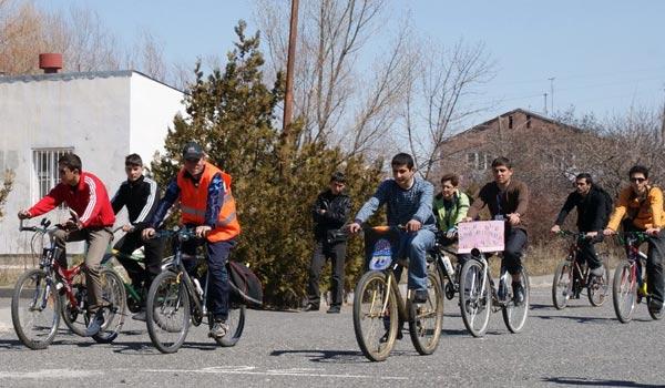 Անվճար կայանատեղի երկանիվների համար. հեծանվորդությունը խրախուսվում է Երևանում