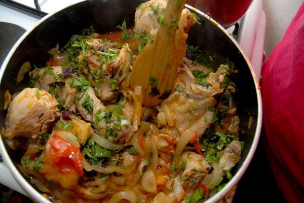 Չախոբիլի. վրացական կերակուր, հայկական ոճ կամ վրացական կերակրատեսակի հայկական տարբերակը