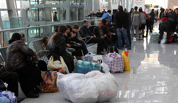 http://armenianow.com/sites/default/files/img/imagecache/600x400/emmigration-armenia-gallup-airport-zvartnots.jpg