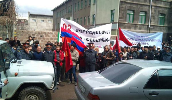 "Stop the ""Stop"" festival!: Angered Gyumri residents demand cancellation of films of Azerbaijani origin"