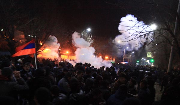 14 injured in Gyumri melee as protesters demand Russian murder suspect's handover