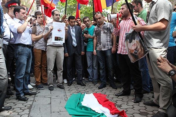 "Safarov Reactions: Sargsyan asks nation not to burn Hungarian flag; Hungarians say ""we are sorry, Armenia"""