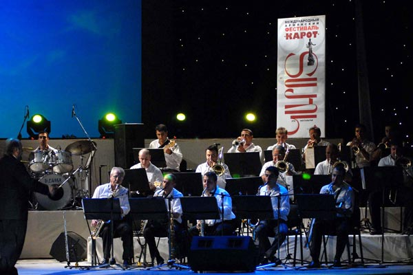 Karot: Festival in Yerevan brings together world renowned Armenian artists