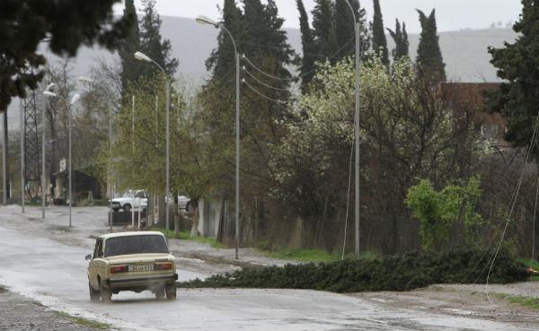 Karabakh: Five killed as Armenian volunteers' bus comes under Azeri fire