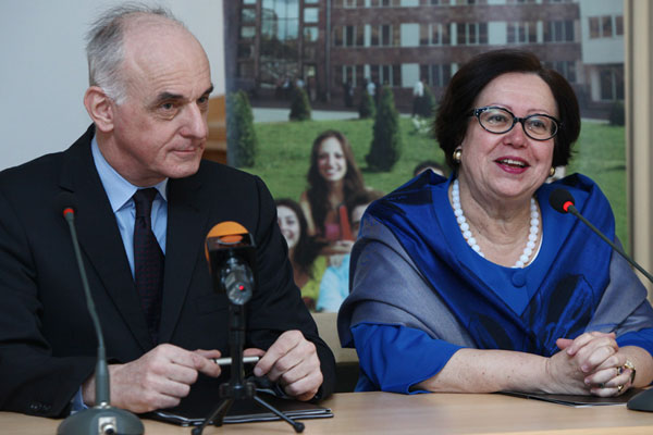 Orange starts partnership with French University Foundation in Armenia