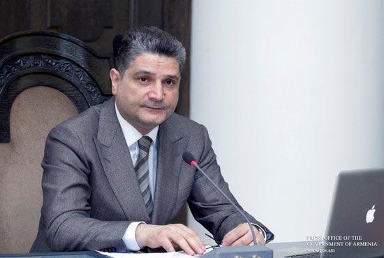 Armenian PM Tigran Sargsyan keeps job in new government
