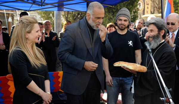 Րաֆֆի Հովհաննիսյանը հայտարարել է, որ դադարեցնում է հացադուլը, և ասում, որ պայքարը կշարունակի