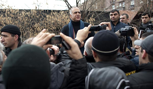 Decision 2013 Part II: Hovannisian-Sargsyan talks produce no immediate news amid continuing post-election standoff