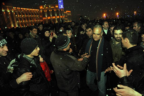 Decision 2013: Hovannisian tours regions as part of his BAREVolution campaign