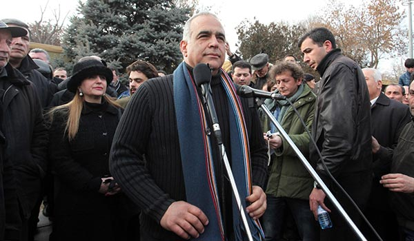 "Decision 2013: Raffi Hovannisian gives incumbent until tomorrow to accept ""people's victory"""