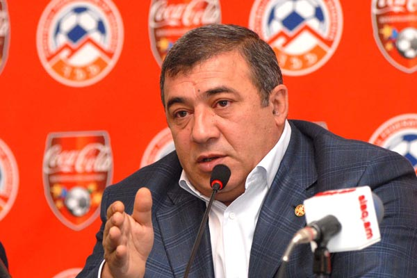 Armenia soccer boss: Protest lodged against Spanish ref's decisions in Dublin