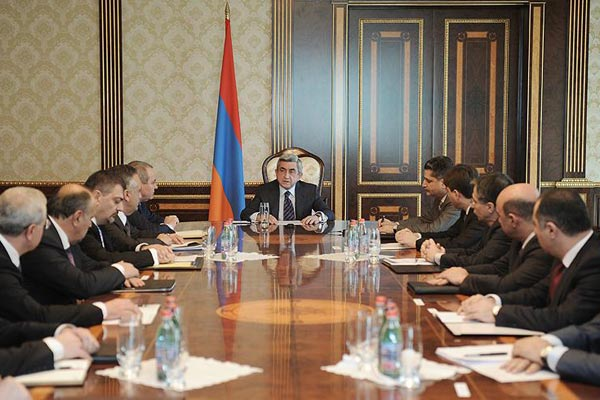President Sargsyan demands drastic changes in Armenian economy