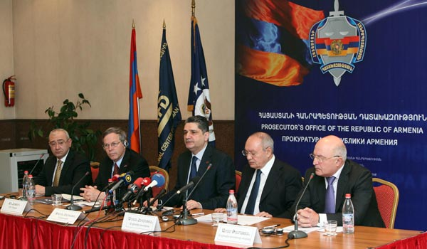 Armenian PM reiterates political will for clean vote