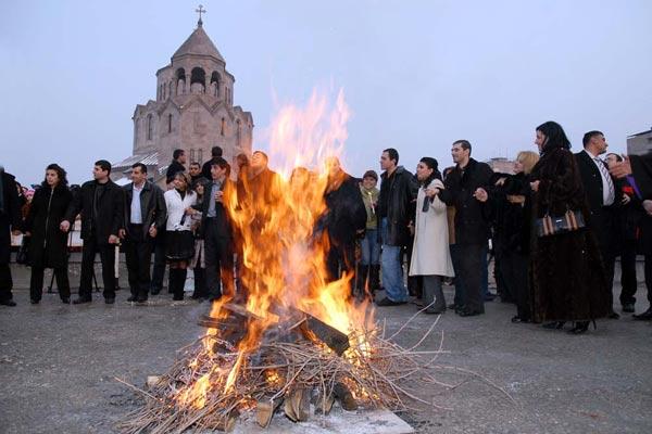 Trndez: Christian Armenians celebrate feast of purification