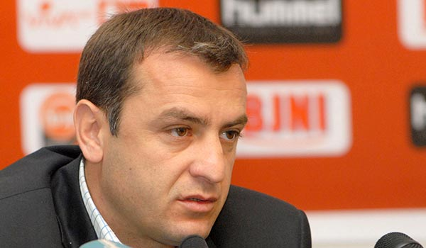 Soccer: Armenia coach unhappy with behavior of players in Bulgaria match