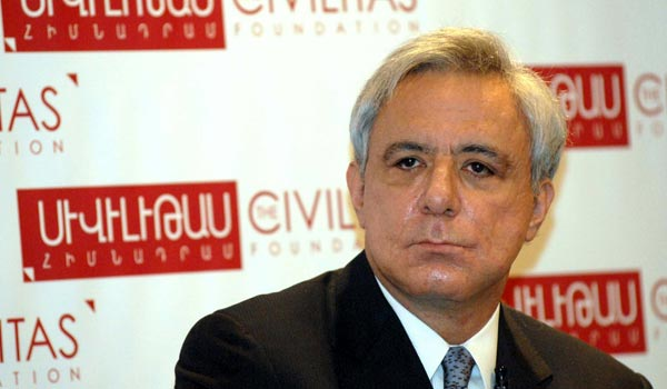 Oskanian: President should visit Hovannisian