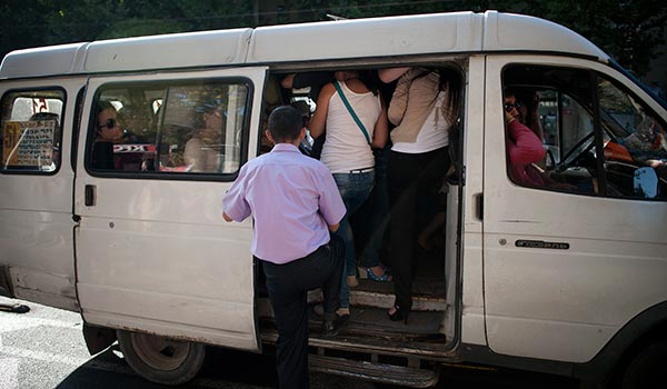 Yerevan's Human Trafficking of A Different Sort: Consumers, officials look for ways to curb gridlock